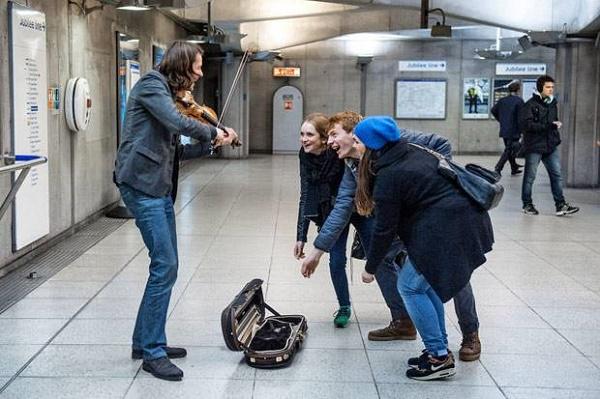 London Street musicians