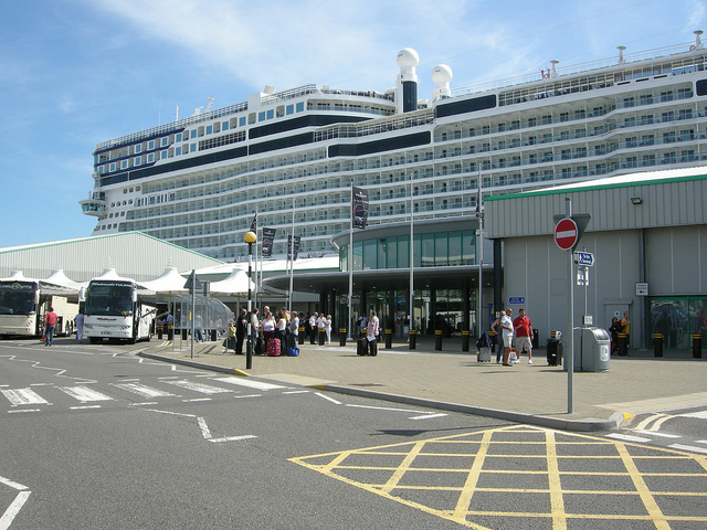 Transfer from Heathrow Airport to Southampton Cruise Port Terminal