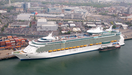 Taxi from Southampton Cruise Port to London Heathrow Airport £99.00